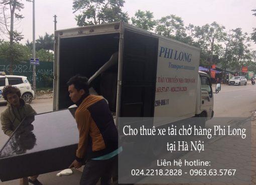 Xe tải chở hàng thuê tại phố Quần Ngựa